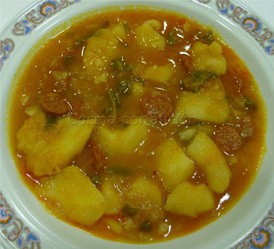 patatas con pimiento y chorizo