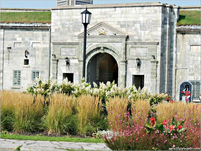 Puerta Dalhousie de la Ciudadela de Quebec