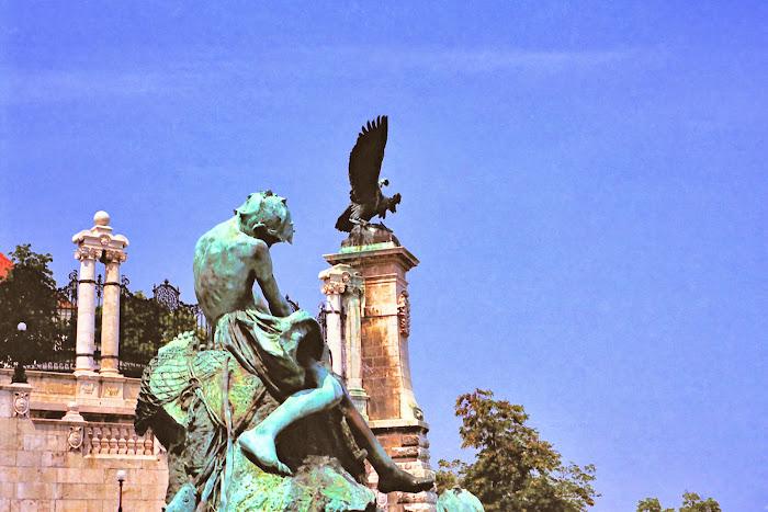 Budapest, Château de Buda, oiseau de Turul, © L. Gigout, 1990