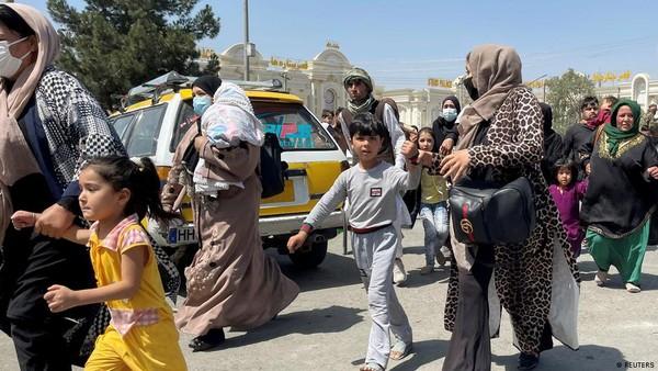 Taliban Deklarasikan Amnesti, Ajak Perempuan Bergabung