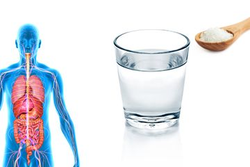 Minum Air Garam Hangat Setiap Hari, Rasakan 6 Khasiatnya Ini
