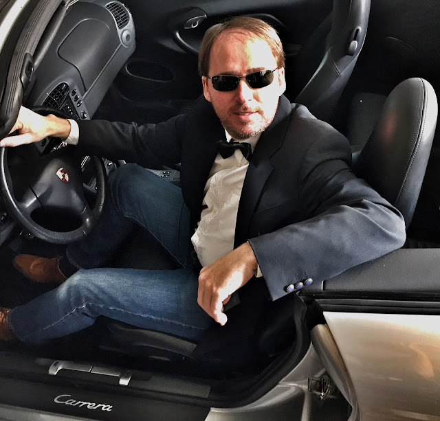 Selfie Porsche Carrera Cabriolet 007 James Bond
