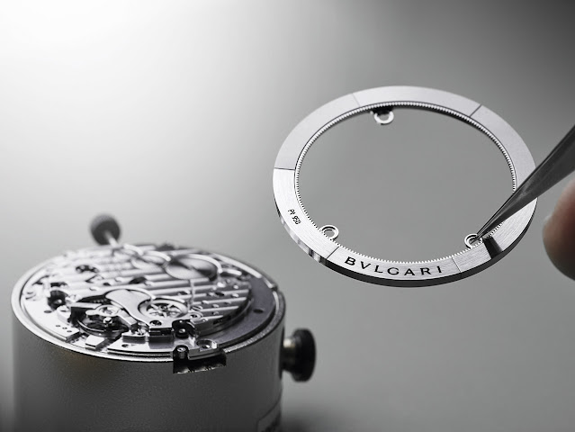 Bulgari's Calibre 318, a self-winding chronograph movement with GMT function