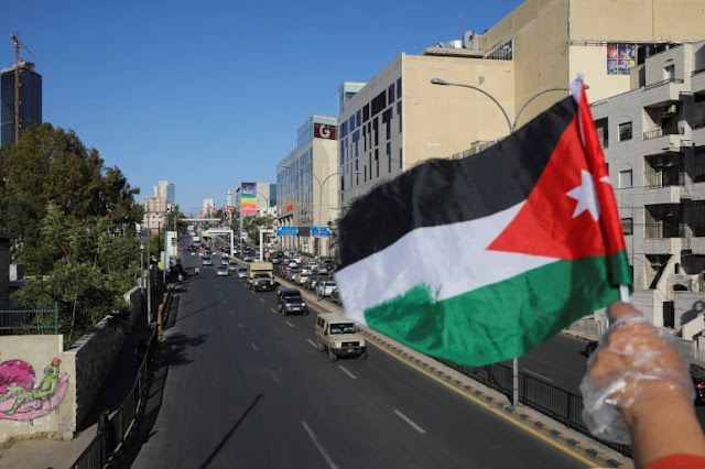 """الأردن... بسبب تفشي فيروس """"كورونا"""" تغلق المساجد والمدارس والأسواق"""