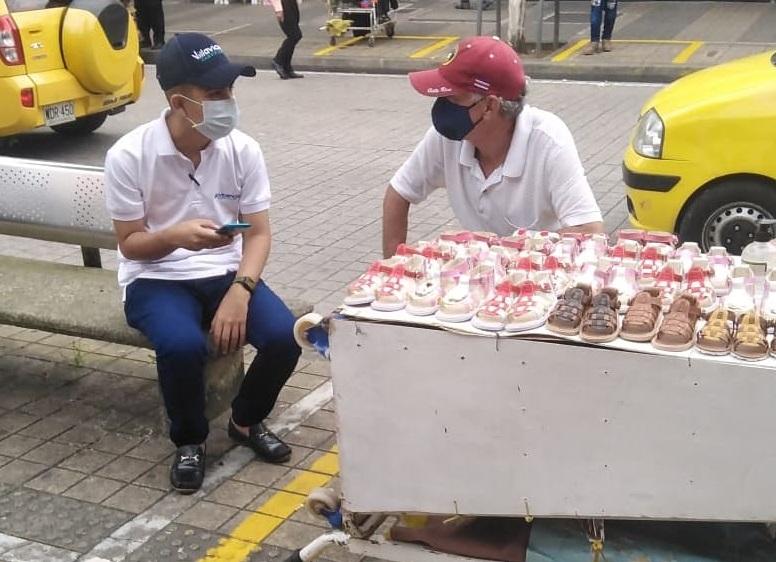 Inició la caracterización de vendedores informales ubicados en distintos sectores de la vía que de Villavicencio conduce a Restrepo.