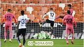 سولير يسجل ثلاثية من ركلات الترجيح في فوز فالنسيا على ريال مدريد