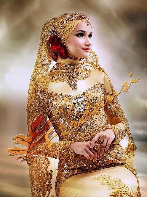 Model Kebaya Pengantin Warna Gold