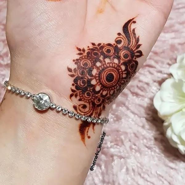 Pretty_Tattoo_mehndi_design