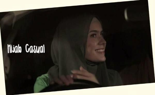 Hanung Bramantyo merupakan salah satu sutradara ternama di Indonesia beberapa waktu yang l Tutorial Hijab Ala 'Bia' Carissa Putri di Film Hijab