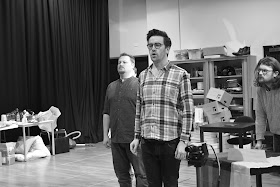 David Ireland, Christopher Cull & Benjamin Lewis  in rehearsal © NOS 2017