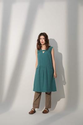 屋頂上的長餐桌背心洋裝-薄荷(綠格)模特兒實穿