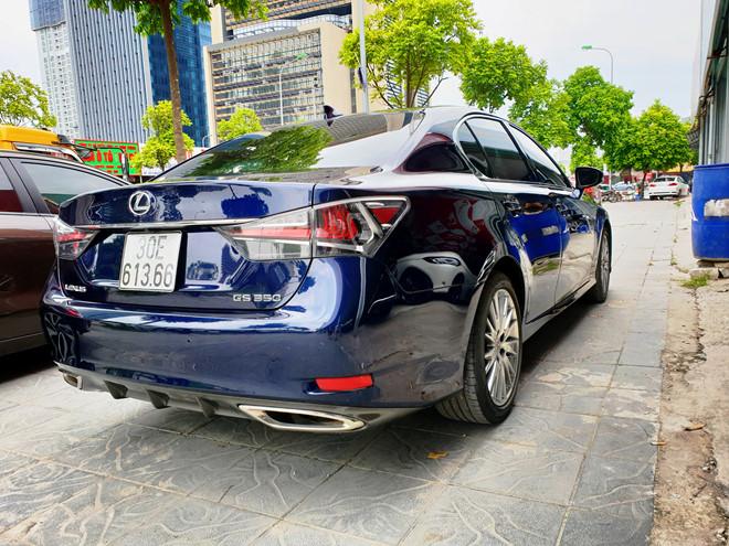 Lexus GS 350 dùng 8 năm bán lại hơn 1,8 tỉ đồng tại Việt Nam