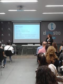 Taller curso sobre redes sociales profesionales (Linkedin) impartido en el evento solidario de Lanzalicante por Adela Llamazares
