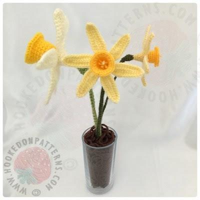 spring daffodils flower pattern