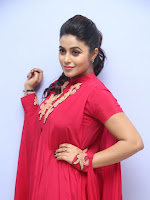 Poorna at Rakshashi poster launch-cover-photo
