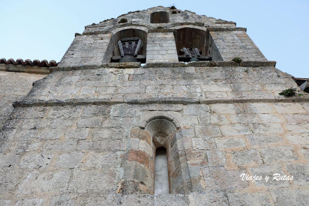 Espadaña de San Andrés de Gama