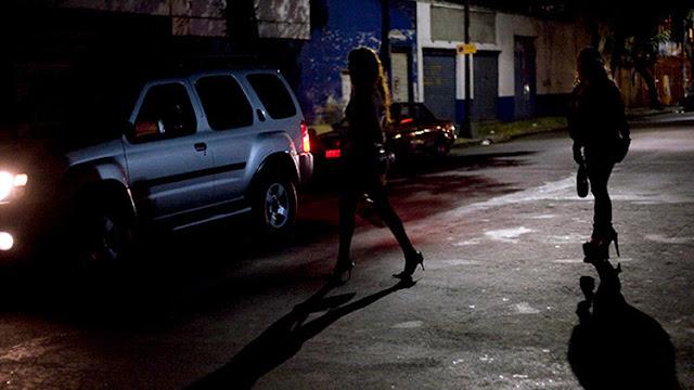 """""""Sexoservidoras"""" por 85 dólares: Cómo 'alquilan' mujeres en México para convertirlas en esclavas"""