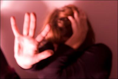Mulheres manifestam-se contra a violência