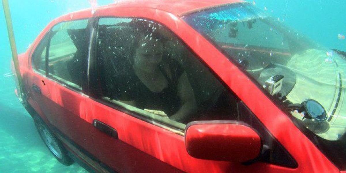 Survive Being Trapped In Your Sinking Car