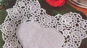 Panera con forma de corazón al crochet