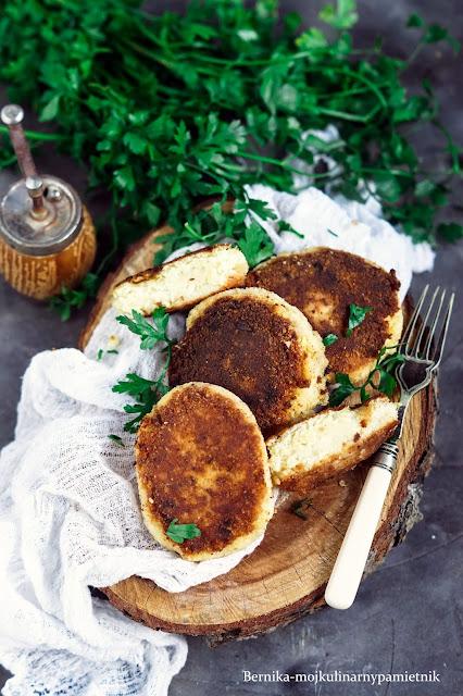 kotlety, ruskie, twarog, ziemniaki, obiad, bernika, wegetarianskie, wege, kulinarny pamietnik