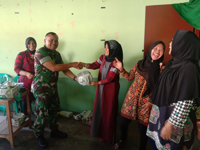 Pererat Tali Silaturohmi, Persit Koramil Tulung Adakan Pertemuan Rutin