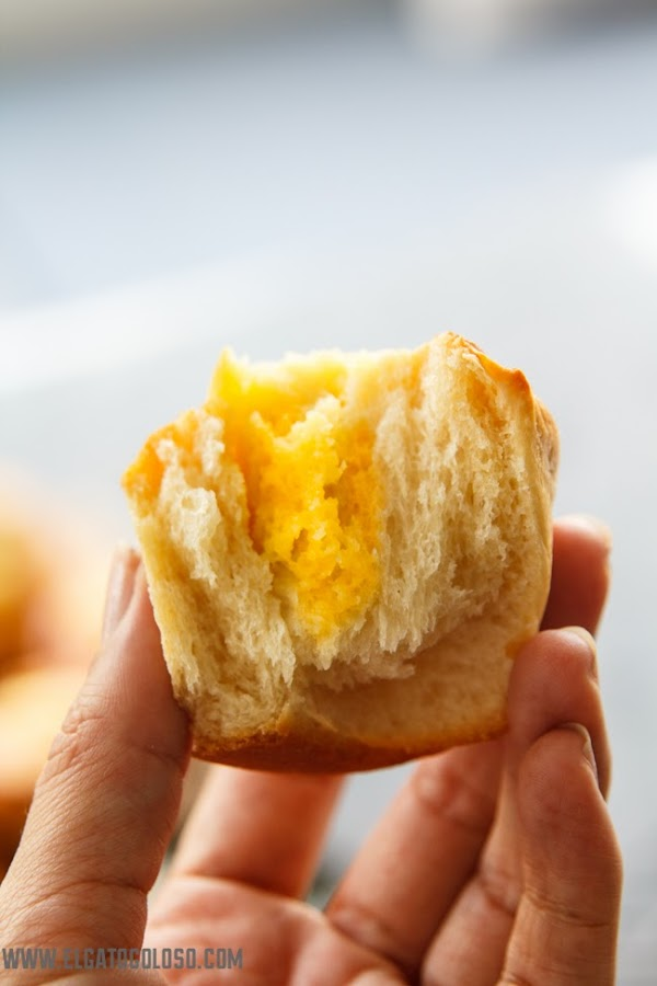 Trenza de pan dulce rellena de queso crema y fruta de la pasion, vía www.elgaotoloso.com