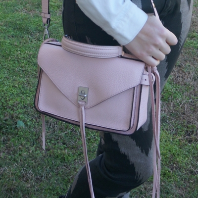 black jeans with Rebecca Minkoff small Darren messenger bag in peony | awayfromtheblue