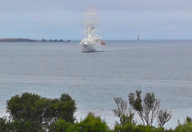 Χανιά: Το εκπληκτικό ιστιοφόρο μήκους 194 μέτρων – Η πλωτή πολιτεία που έδεσε στο λιμάνι
