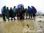 10 Tips Mendaki Gunung Saat Musim Hujan