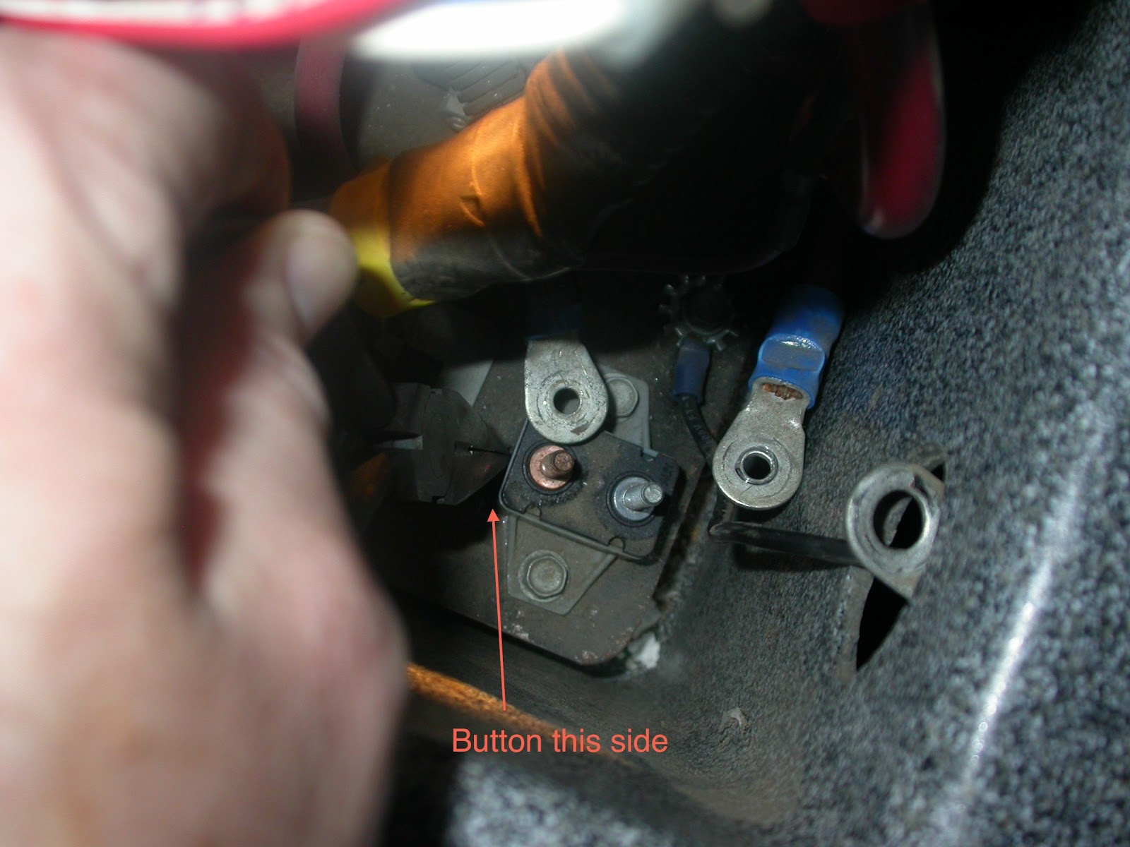 medium resolution of kehlenbeck s rv stuff and misc rants rv auxiliary battery there was a tiny button on fleetwood southwind wiring diagram