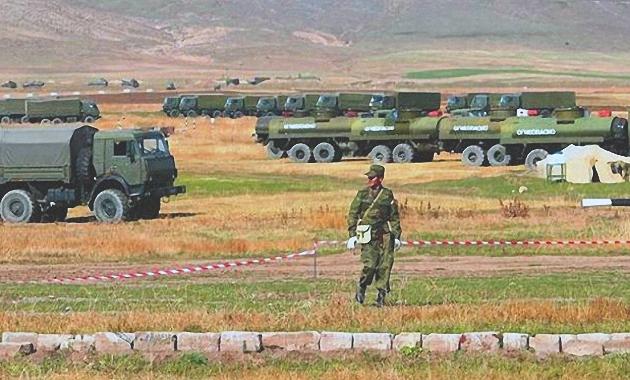 Gürcüstan və Azərbaycan Rusiya hərbi bazasını blok etmək istəyir
