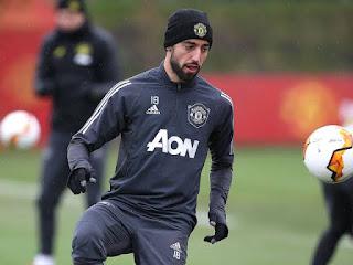 Manchester United Fernandes and  Sergio Romero wins 2019/20 Europa League top goalscorer and Golden Glove