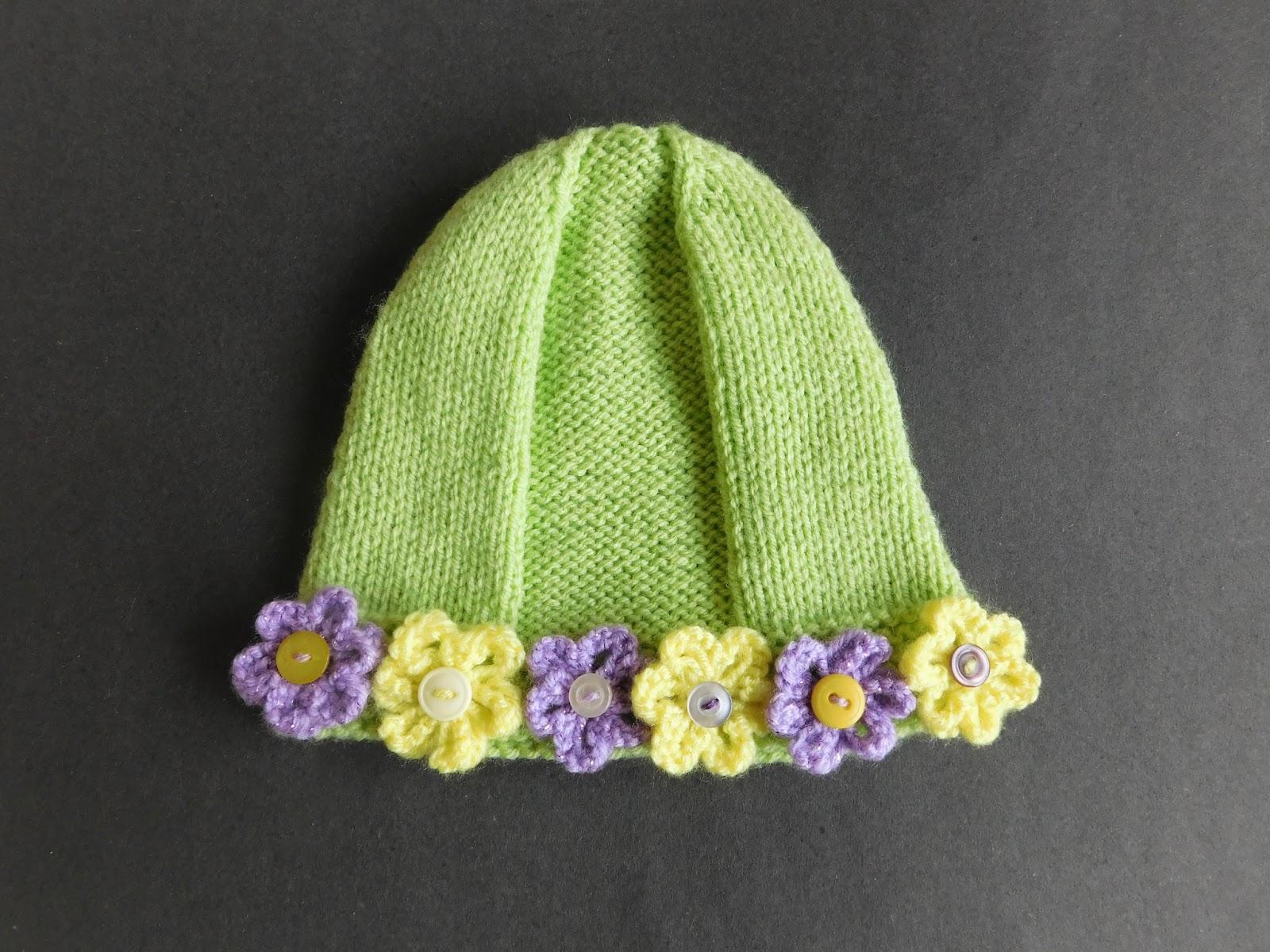 Marianna\'s Lazy Daisy Days: Lomond Girls Hat with Flowers