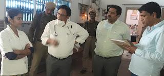 स्वास्थ्य विभाग की संयुक्त टीम ने की अस्पताल में छापेमारी  | #NayaSaberaNetwork