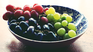 grapes, red grapes, green grapes, black grapes, berries, fresh berries, radish, beetroot, red beetroot, apple, fresh fruits, fresh vegetables, green leafy vegetables, almonds, what is Harmful For LIVER | Why liver damage occur | causes of liver damage, causes of liver, cirrhosis of liver., harmful to our body, Health tips, Kidney failure, Kidney pain., LIVER, liver damage, Nutritional Food