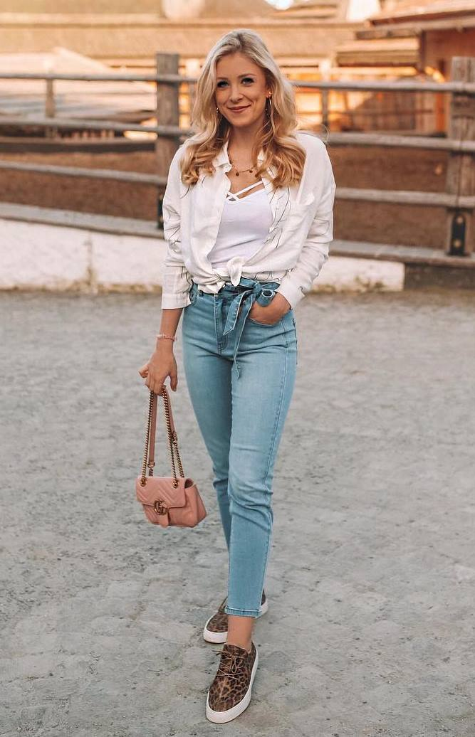 what to wear with a pair of jeans : blush bag + sneakers + white shirt + top