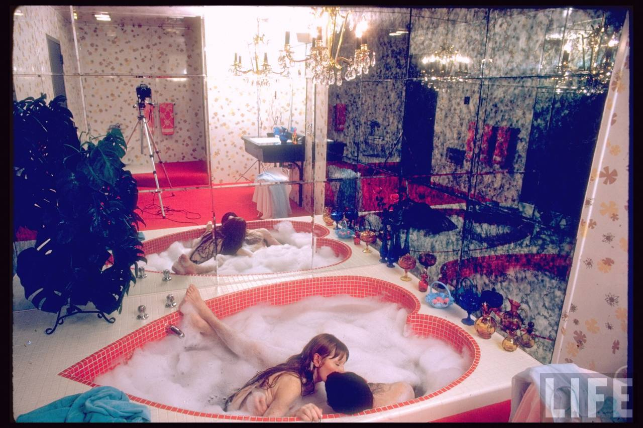 the blue room: Heart-Shaped (or Champagne) Hot Tub Time ...