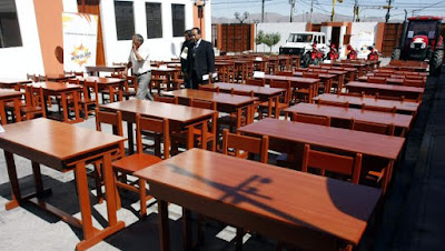 MINEDU entrega mobiliario escolar por S/374 millones