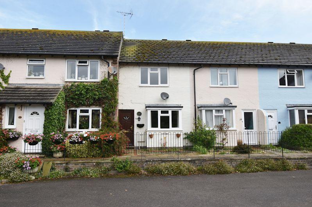 2 bed house, Tamar Way Tangmere