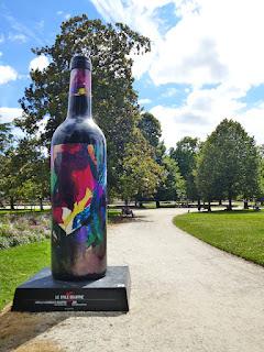 jbb artiste peintre bordeaux bouteille de vin géante
