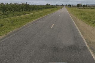 BA 250: Homem capota veículo e acaba atropelado  ao tentar pedir ajuda