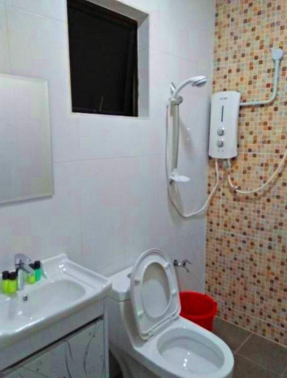 Laman Guest House Pengkalan Balak Melaka bilik air