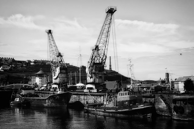 Harbourside Cranes, 2002