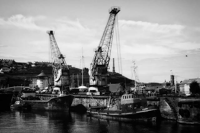 Harbourside Cranes, 2002