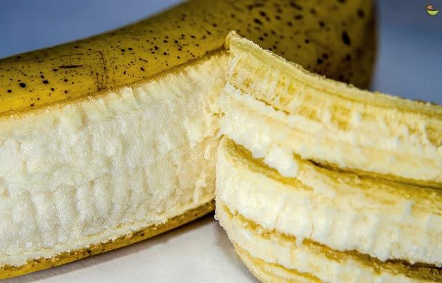 قشر الموز هو أفضل وسيله لازالة حب الشباب، وهي طريقة أمينة وسهلة وغير مكلفة.
