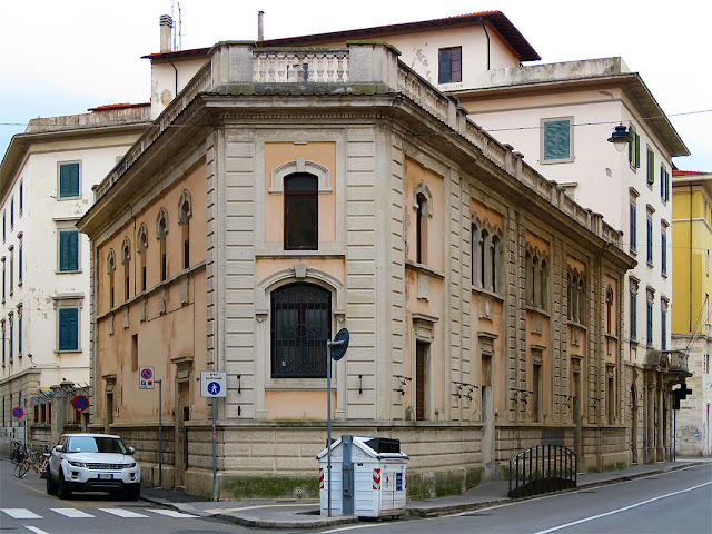 Corner building with a gym, Via Ernesto Rossi, Livorno