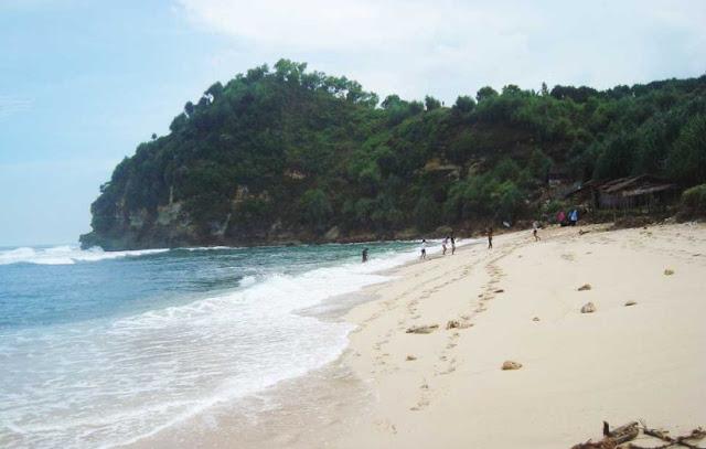 Pantai Nampu Kabupaten Wonogiri