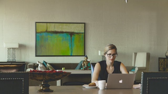 Tips on How to Grow Your Side Hustle into a Successful Big Business Enterprise.