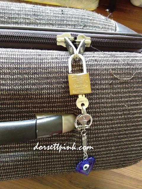 http://www.dorsettpink.com/2018/04/my-travel-gear-padlock.html